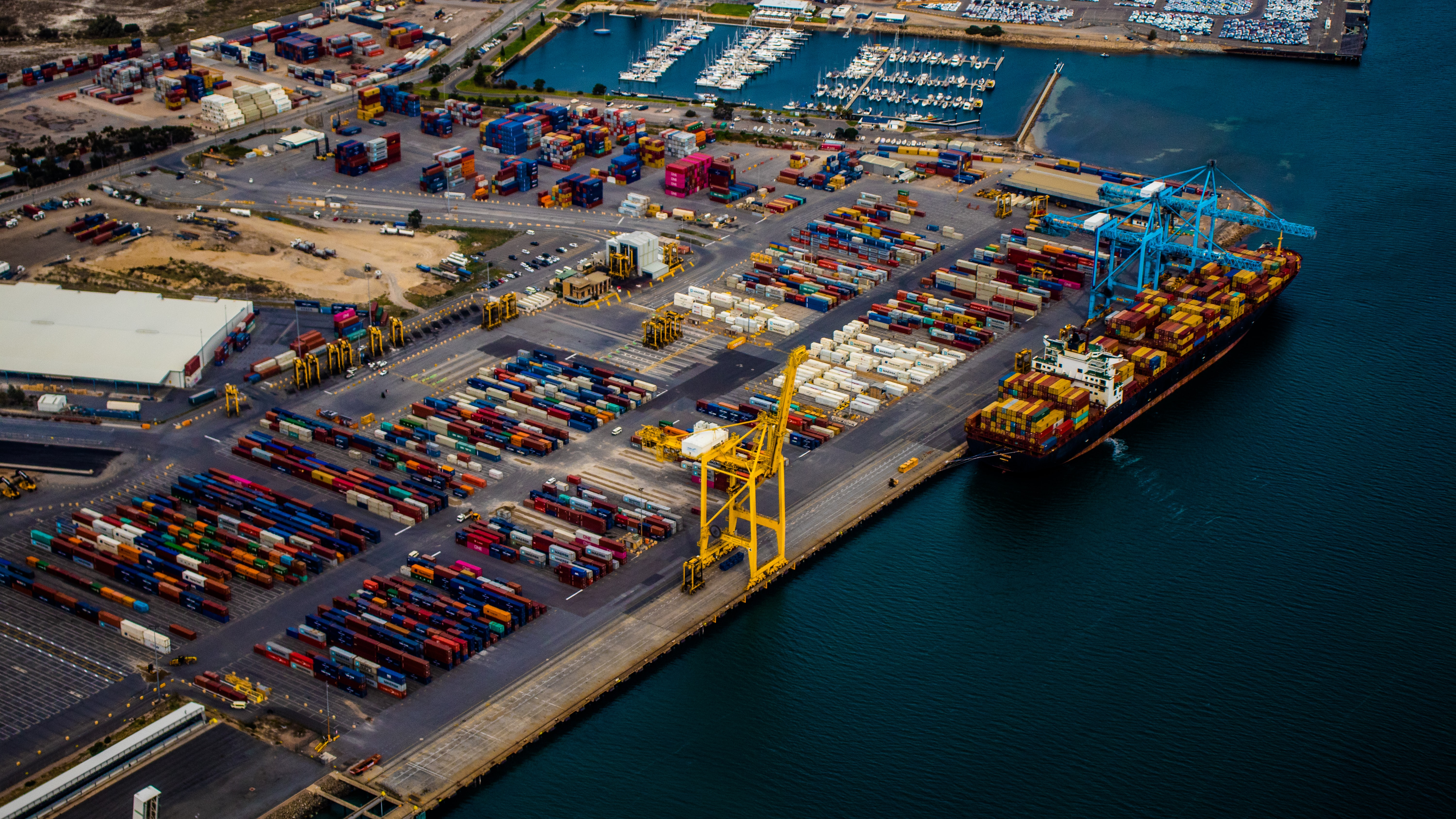 Smart Ports: Automated Asset Inspection and Port Sector Maintenance Insight Use Case
