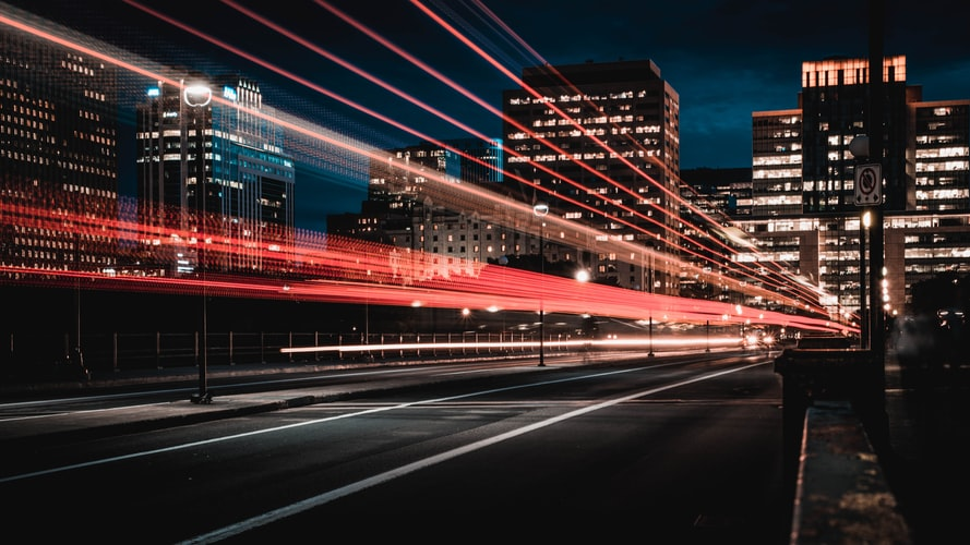 How Smart Cities and Self-driving Cars Can Work Together